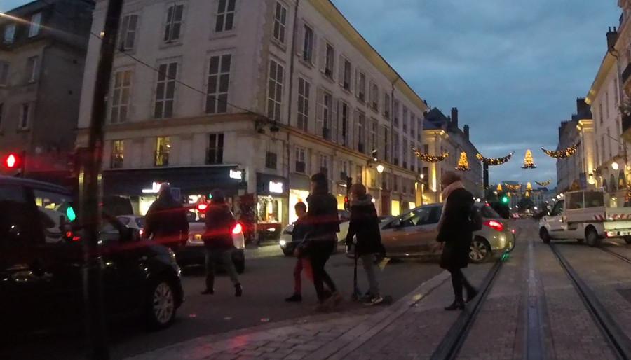 Carpocalypse rue Jeanne d'Arc